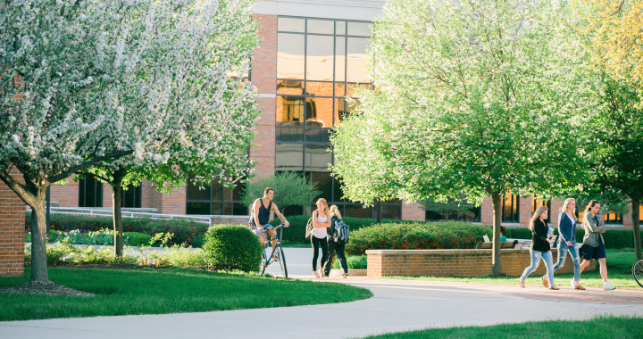 IWU - College Students & Personal Finance